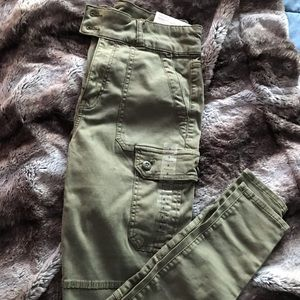 High rise green cargo pant American Eagle